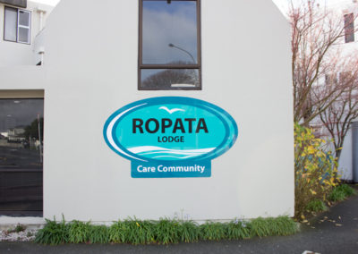 Ropata-Lodge-Outside